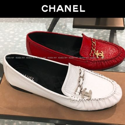 CHANEL Loafer & Moccasin Round Toe Chain Plain Leather Block Heels Elegant Style 4