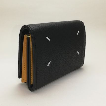 FOLD-OUT LEATHER WALLET IN BLACK