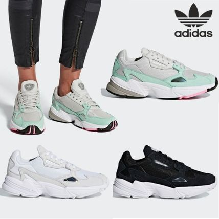8cbba8f1f468 ... adidas Low-Top Rubber Sole Lace-up Casual Style Unisex Suede ...