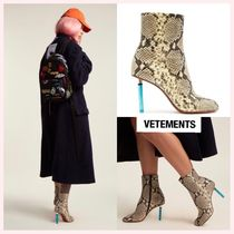 VETEMENTS Round Toe Casual Style Leather Block Heels Python