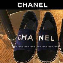 CHANEL Platform Round Toe Velvet Plain Elegant Style Slip-On Shoes