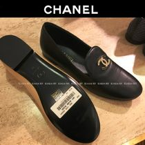 CHANEL Round Toe Plain Leather With Jewels Elegant Style