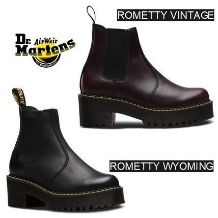 Dr Martens Ankle & Booties Platform Round Toe Plain Leather Chelsea Boots