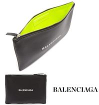 BALENCIAGA EVERYDAY TOTE Street Style Bi-color Leather Clutches