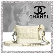 CHANEL Shoulder Bags