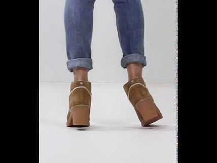 UGG Australia Ankle & Booties Round Toe Casual Style Suede Street Style Plain Block Heels 8