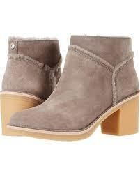UGG Australia Ankle & Booties Round Toe Casual Style Suede Street Style Plain Block Heels 9