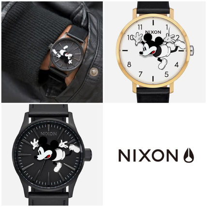 Collaboration Leather Round Analog Watches