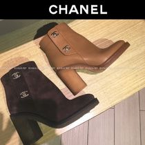 CHANEL Round Toe Plain Leather Block Heels Elegant Style