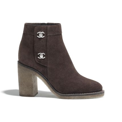 CHANEL Ankle & Booties Round Toe Plain Leather Block Heels Elegant Style 3