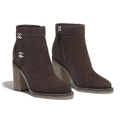 CHANEL Ankle & Booties Round Toe Plain Leather Block Heels Elegant Style 4