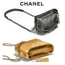 CHANEL Blended Fabrics Leather Python Elegant Style Shoulder Bags