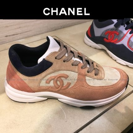 CHANEL Low-Top Lace-up Casual Style Suede Plain Khaki Low-Top Sneakers 2