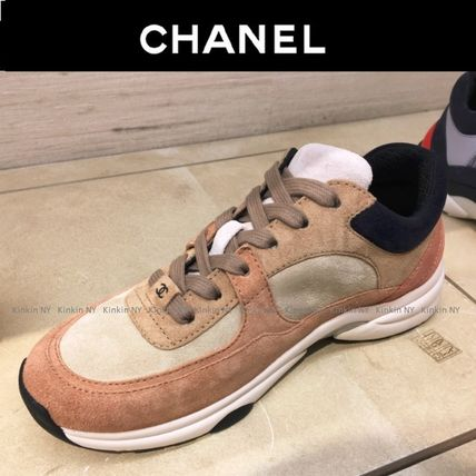 CHANEL Low-Top Lace-up Casual Style Suede Plain Khaki Low-Top Sneakers 3