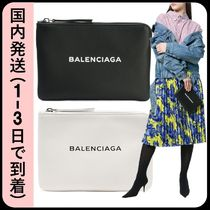 BALENCIAGA EVERYDAY TOTE Clutches