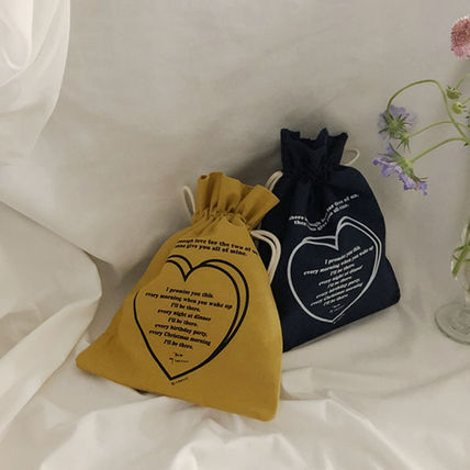 Heart Street Style Pouches & Cosmetic Bags