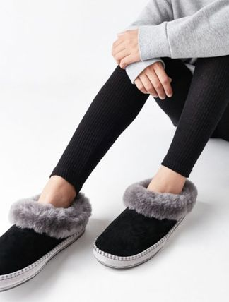 830b46e29032 ... UGG Australia Slip-On Round Toe Rubber Sole Casual Style Sheepskin  Street Style 3 ...