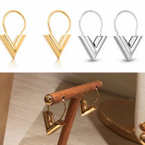 Louis Vuitton V Earrings & Piercings