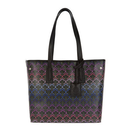 Blended Fabrics Totes