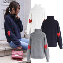 Chicwish Heart Rib High-Neck Sweaters