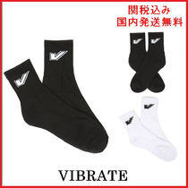 VIBRATE Unisex Socks & Tights