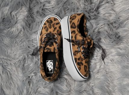 VANS Platform & Wedge Leopard Patterns Platform Round Toe Lace-up Casual Style
