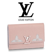 Louis Vuitton Plain Leather With Jewels Accessories