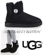 UGG Australia MINI BAILEY BUTTON Round Toe Rubber Sole Casual Style Sheepskin Plain