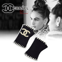 CHANEL Cashmere Plain Elegant Style Smartphone Use Gloves
