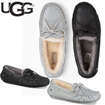 4a38b9f3a4ea UGG Australia DAKOTA Casual Style Sheepskin Plain Slip-On Shoes