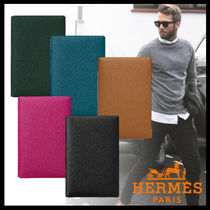 HERMES Calvi Plain Leather Clutches