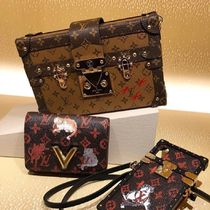 Louis Vuitton MONOGRAM Petite Malle