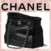 CHANEL Lambskin Blended Fabrics A4 Chain Plain Elegant Style Totes