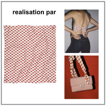 Realisation Par Silk Handkerchief