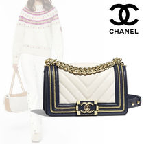 CHANEL Bi-color Leather Elegant Style Shoulder Bags