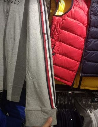 Tommy Hilfiger Long Sleeve Crew Neck Long Sleeves Logos on the Sleeves 3