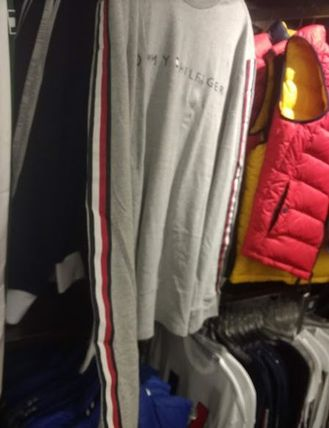Tommy Hilfiger Long Sleeve Crew Neck Long Sleeves Logos on the Sleeves 4