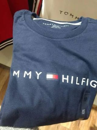 Tommy Hilfiger Long Sleeve Crew Neck Long Sleeves Logos on the Sleeves 9