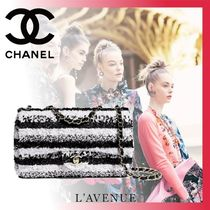 CHANEL Stripes Blended Fabrics Chain Elegant Style Shoulder Bags