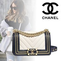 CHANEL BOY CHANEL Calfskin Blended Fabrics Bi-color Chain Handbags