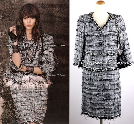 CHANEL TIMELESS CLASSICS Black White Feather Trimmed Tweed Jacket & Skirt Sui F40 F42