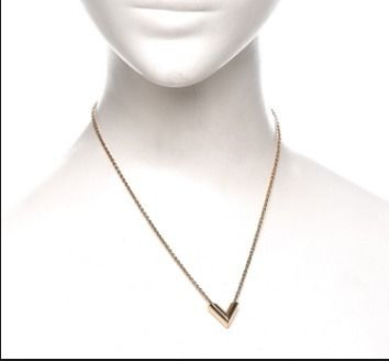 Louis Vuitton Necklaces & Pendants Elegant Style Necklaces & Pendants 2