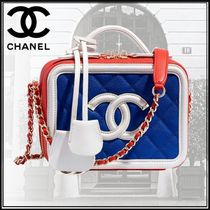 CHANEL Calfskin Studded Bi-color Chain Elegant Style Shoulder Bags