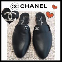 CHANEL ICON Plain Leather Elegant Style Sandals