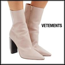 VETEMENTS Plain Leather Block Heels Elegant Style