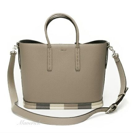 FENDI SELLERIA Leather Handbags