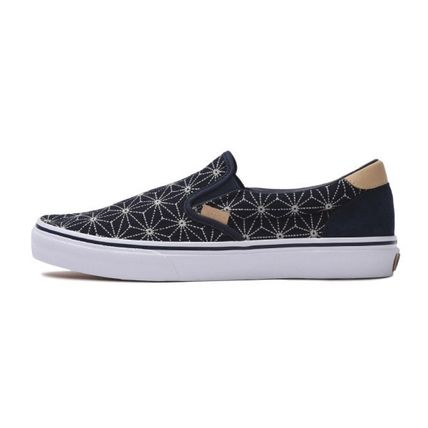 VANS SLIP ON 2018-19AW Unisex Loafers   Slip-ons by chocolatehouse ... a88e2cbf3