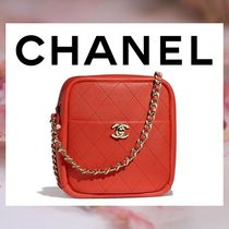 CHANEL Lambskin Chain Plain Elegant Style Shoulder Bags
