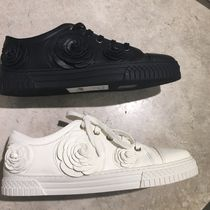 CHANEL Casual Style Street Style Plain Leather Low-Top Sneakers