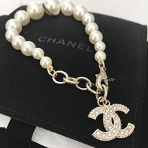 CHANEL ICON Costume Jewelry Home Party Ideas Brass Elegant Style